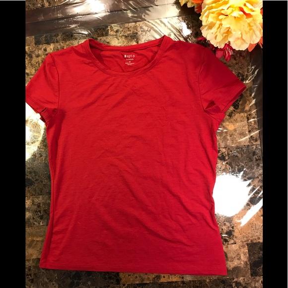 Apt. 9 shirt red nylon spandex stretch Medium